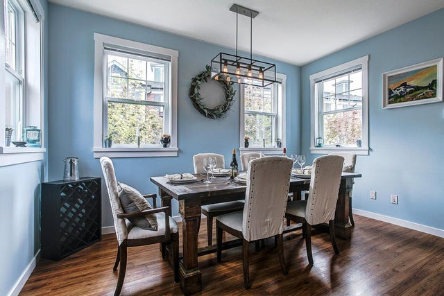Largest Dining floor plan is able to seat your whole family