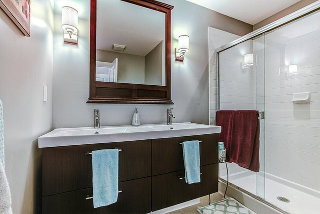 Master bath updated with double sinks and new lights